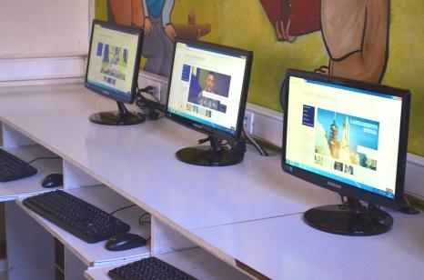 Algunos de los computadores nuevos.